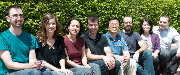 Picture of the SNS lab members in Summer 2011